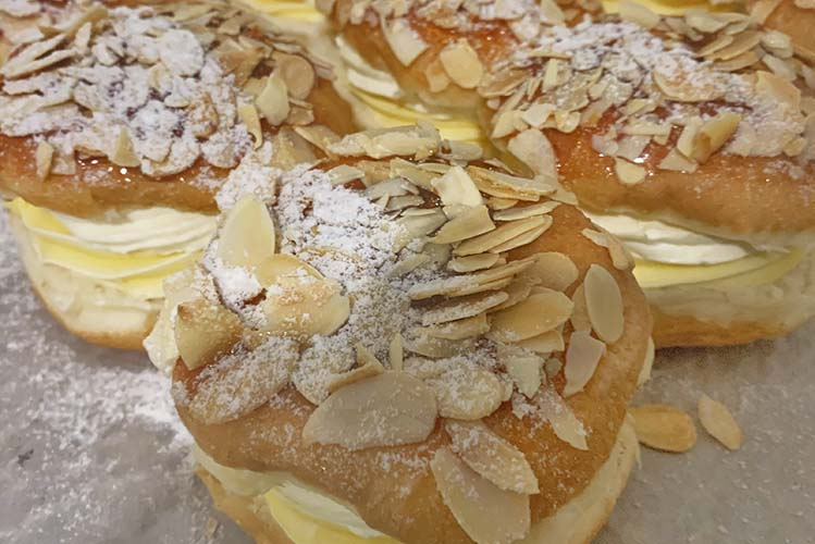 bakery bee sting sunshine coast