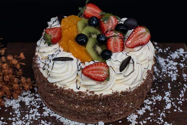 bakery cake sunshine coast